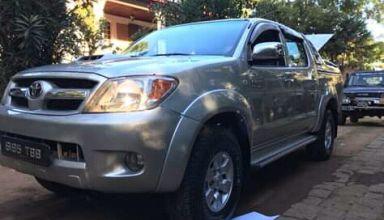 Toyota hilux 3.0 D4D double cabine location 4x4 tour opérateur agence de voyage